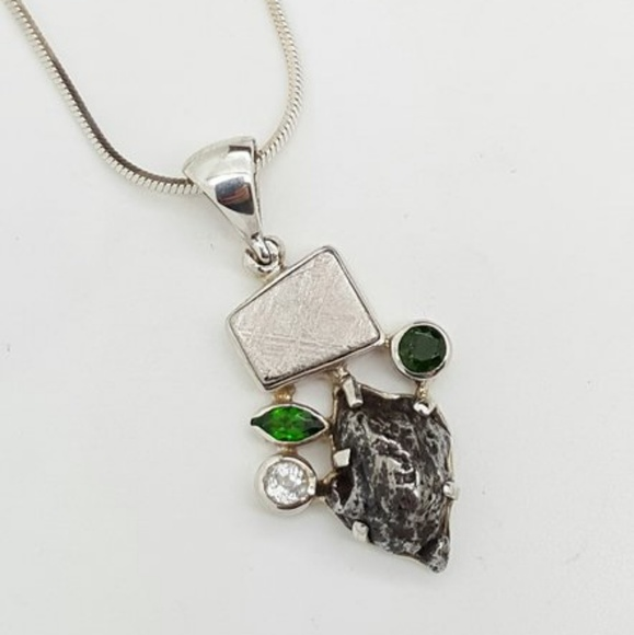 Starborn jewelry chrome diopside and sikhote alin meteorite chrome diopside and sikhote alin meteorite pendant aloadofball Image collections